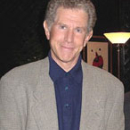 Tony Roberts Hosts <i>Sing For Their Supper</i> Benefit