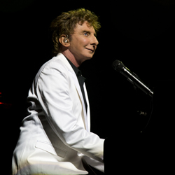 Barry Manilow in <i>Manilow on Broadway</i>