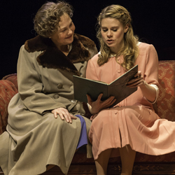 Cherry Jones as Amanda Wingfield and Celia Keenan-Bolger as Laura in <I>The Glass Menagerie</i>