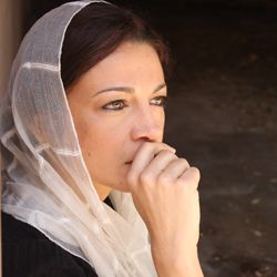 Anna Khaja in <i>Shaheed: The Dream and Death of Benazir Bhutto</i>