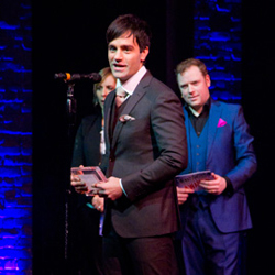 Ramin Karimloo accepting his award