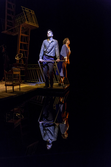 Zachary Quinto and Cherry Jones in <i>The Glass Menagerie</i>