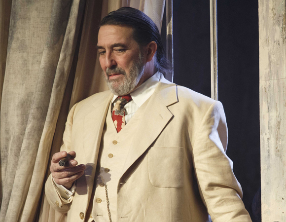 Ciarán Hinds in <i>Cat on a Hot Tin Roof</i>