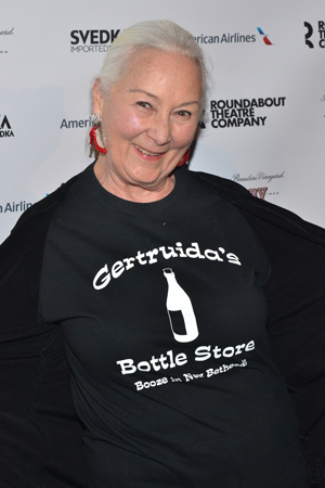 March 11 – At Roundabout Theatre Company's annual gala, legendary actress Rosemary Harris (<i>The Road to Mecca</i>) shows off her new show.<br />(© David Gordon)