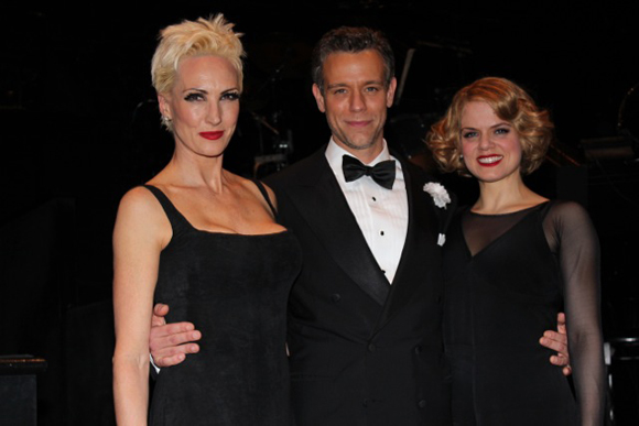 Pascal joins costars Amra-Faye Wright (Velma Kelly) and Amy Spanger (Roxie Hart) for a photo.<br />(© Erica Anker)