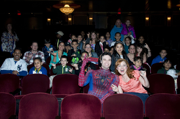 Jake Epstein, Rebecca Faulkenberry, and second graders and chaperones from PS 69.