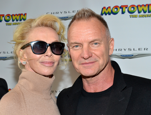 Trudy Styler and Sting get close for the cameras.<br />(© David Gordon)