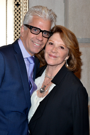 Steve Bakunas and Linda Lavin are a very adorable couple.<br />(© David Gordon)