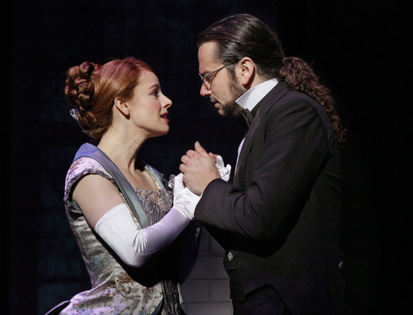 Teal Wicks as Emma Carew and and Constantine Maroulis as Henry Jekyll<br />© Chris Bennion