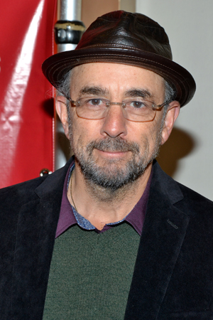 Richard Schiff returns to the Gerald Schoenfeld Theatre, where he starred this past winter in <i>Glengarry Glen Ross</i>, helmed by <i>Orphans</i> director Daniel Sullivan.<br />(© David Gordon)