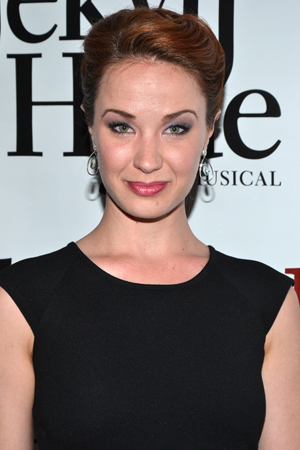 Sierra Boggess is a stunner on the red carpet.<br />(© David Gordon)