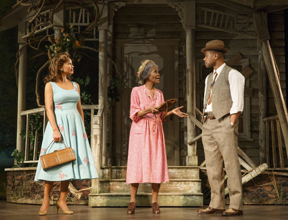 Pictured from left to right: Vanessa Williams, Cicely Tyson, and Cuba Gooding Jr.<br />© Joan Marcus