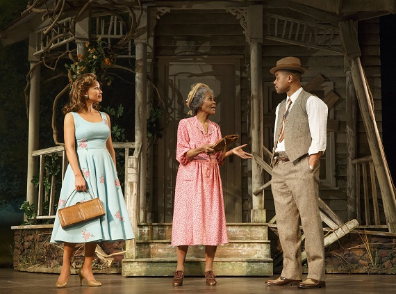 Vanessa Williams, Cicely Tyson, and Cuba Gooding Jr. in <i>The Trip to Bountiful</i>