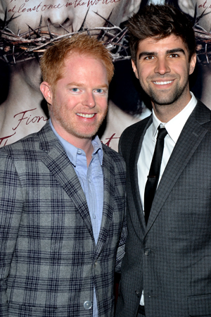 <i>Modern Family</i>'s Jesse Tyler Ferguson celebrates the new play's opening night with his fiancé, Justin Mikita.<br />(© David Gordon)