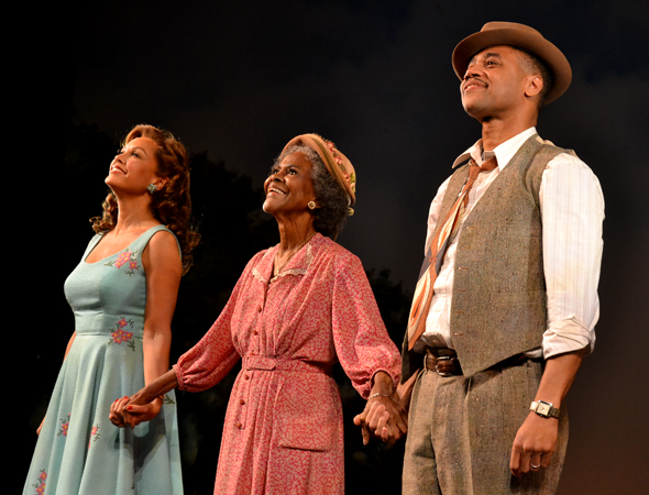 Vanessa Williams, Cicely Tyson, and Cuba Gooding Jr. take the stage for <i>Trip to Bountiful</i>'s opening-night curtain call.