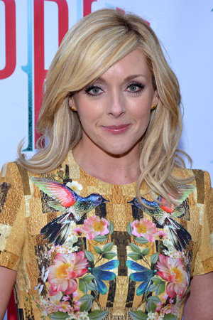 Tony Award winner Jane Krakowski is looking glamorous on opening night.<br />(© David Gordon)