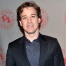Broadway's T.R. Knight to Return to the Guthrie in <i>BEHOLD: A Gala Performance</i>