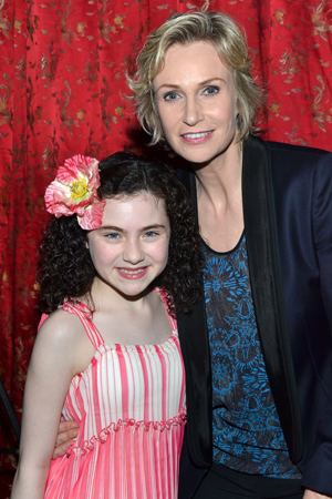 Lynch smiles alongside her pint-sized costar, Lilla Crawford.<br />(© David Gordon)