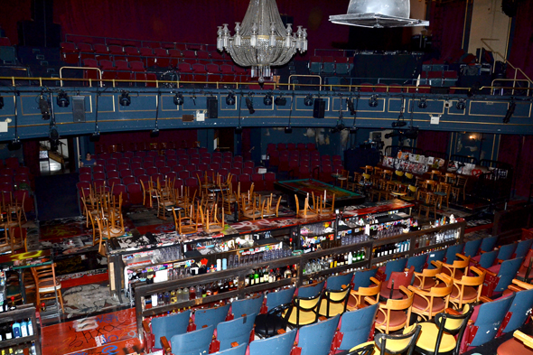 A view of the playing space inside the Union Square Theatre.<br />(© David Gordon)