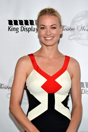 Yvonne Strahovski receives the prestigious Theatre World Award for her performance as Lorna Moon in Clifford Odets' <i>Golden Boy</i>.<br />(© David Gordon)