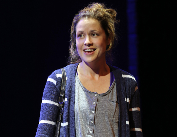 Jenna Fischer in <i>Reasons to Be Happy</i>