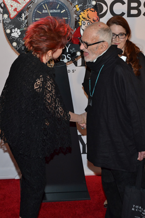 Lauper meets Isabelle Stevenson Award recipient Larry Kramer, who wrote the Tony-winning <I>The Normal Heart</I>.<br />(© David Gordon)