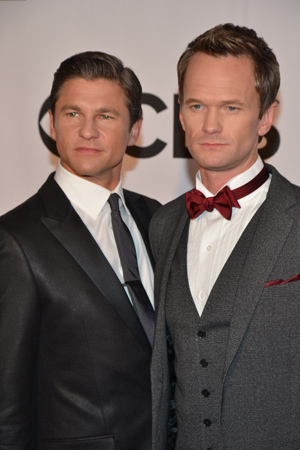 Here is David Burtka with husband, Neil Patrick Harris, this evening's host. <br />(© David Gordon)