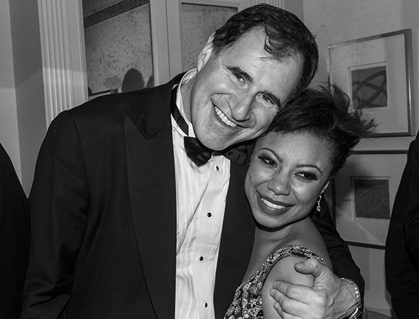 Richard Kind and Shalita Grant get close for a photo.<br />(© David Gordon)