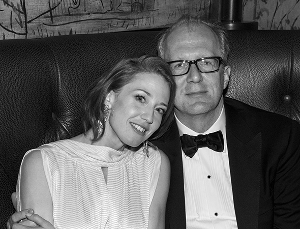 Carrie Coon snuggles up to her significant other, 2013 Tony Award winner Tracy Letts.<br />(© David Gordon)