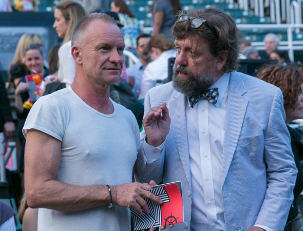 Oskar Eustis gives Sting some advice.<br />(© Simon Luethi)