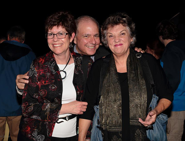 Peggy McRae (Bucks County Playhouse Director of Community Affairs) and Broadway producer Jed Bernstein smile alongside <i>Mothers and Sons</i> star Tyne Daly.<br />(© Rich Kowalski)