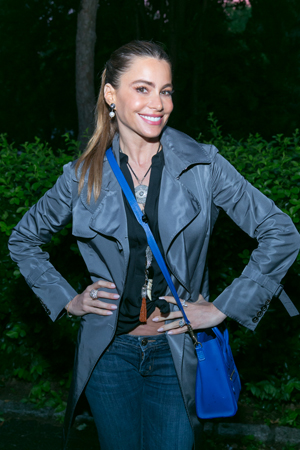 Sofia Vergara won't let a little rain stop her.<br />(© Simon Luethi)