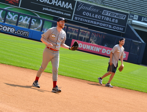 David Abeles and Jeremy Jordan take their spots on the field.<br />(© David Gordon)