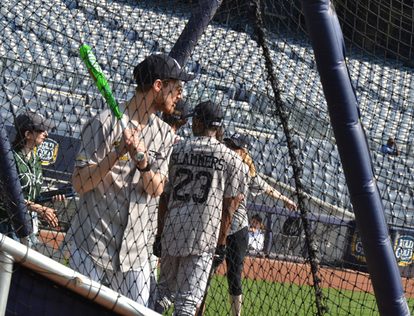 Arthur Darvill has some batting practice.<br />(© David Gordon)