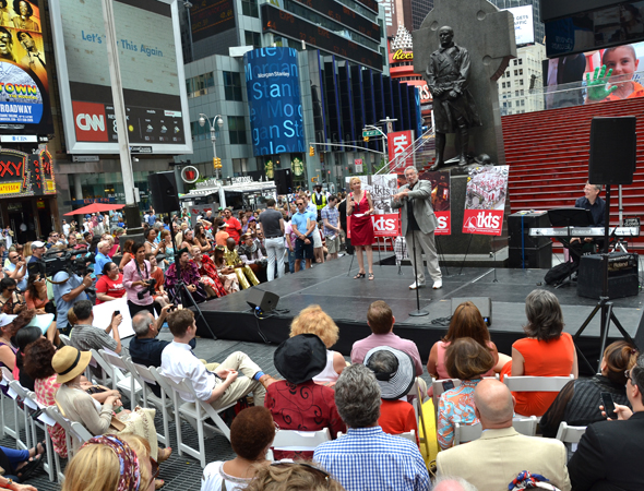 A view of the crowd in Duffy Square.<br />(© David Gordon)