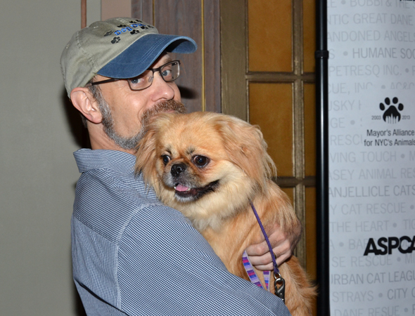 David Hyde Pierce makes a new friend.<br />(© David Gordon)