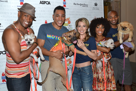 Cast members from <i>Motown The Musical</i> always enjoy the company of pets.<br />(© David Gordon)