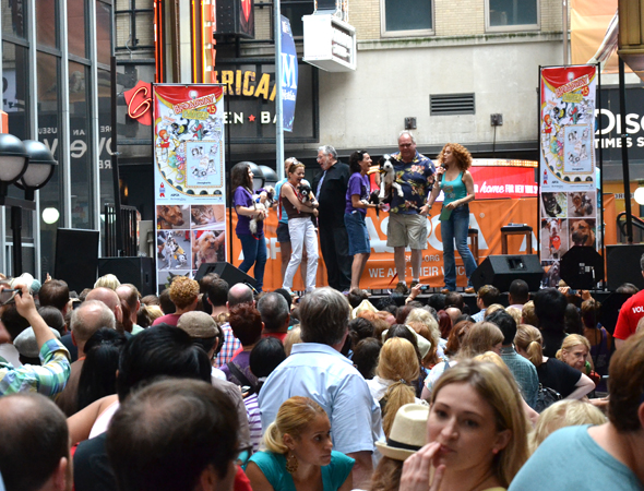 Broadway Barks takes place in Shubert Alley.<br />(© David Gordon)