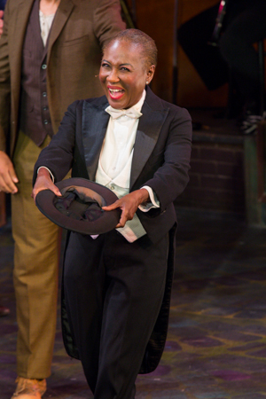 Tony nominee Ernestine Jackson bows to her audience.<br />(© Seth Walters)
