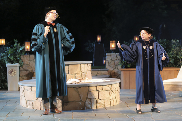 Jeff Hiller and Rachel Dratch get academic in Central Park.<br />(© Joan Marcus)