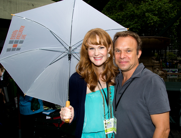 <i>Big Fish</i> stars Kate Baldwin and Norbert Leo Butz won't let a little rain stop them from   entertaining the crowd in Bryant Park.<br />(© David Gordon)