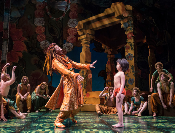 André de Shields (King Louie) shares the stage with Akash Chopra (Mowgli).<br />(© Liz Lauren)