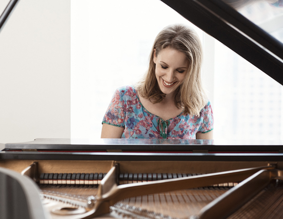 Jessie Mueller in the style of Carole King