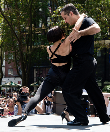 The stars of <i>Forever Tango</i> perform in Bryant Park.<br />(© David Gordon)