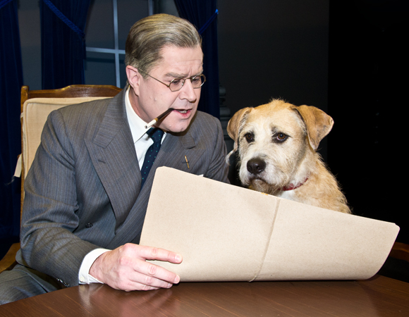 President Franklin Delano Roosevelt (Merwin Foard) consults with Sunny on some im<i>paw</i>tent paperwork.