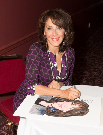 "Andrea Martin signs her caricature: &quot;After this honor, I can finally retire! Thank you.""<br />(© Seth Walters)"