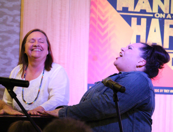 Dale Soules and Keala Settle enjoy the evening at Barnes & Noble.<br />(© Hannah Oren)