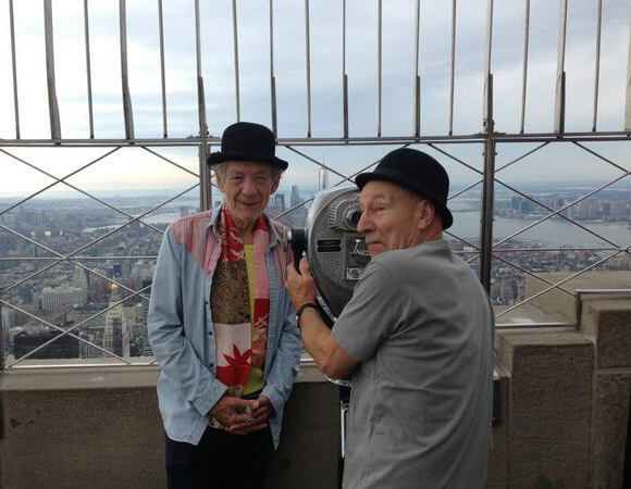 (Photo courtesy of @SirPatStew/@IanMcKellen)