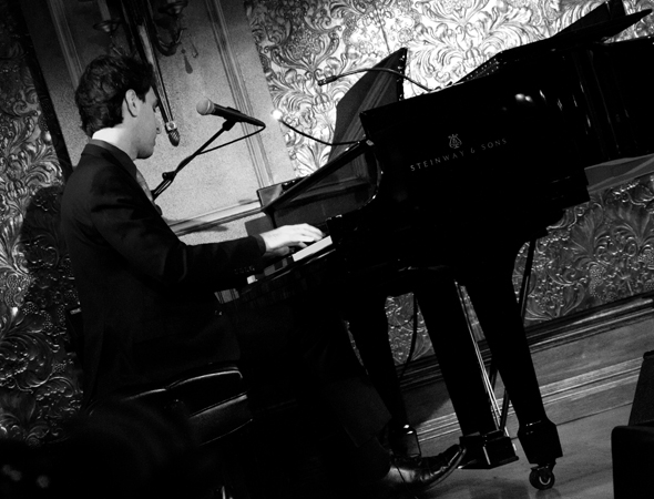 Jason Robert Brown tickles the ivories.<br />(© David Gordon)