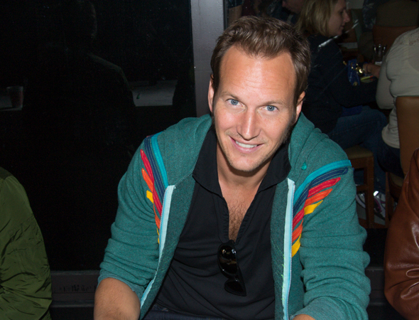 Two-time Tony Award nominee Patrick Wilson (<i>The Full Monty</i>, <i>Oklahoma</i>) smiles at the autograph table.<br />(© David Gordon)